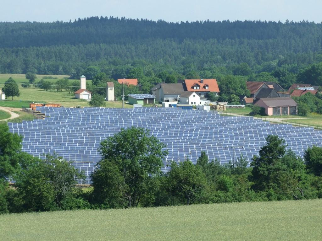 Im Ortsteil Eschlipp entstand die Photovoltaik-Freilandanlage der STadtwerke Ebermannstadt