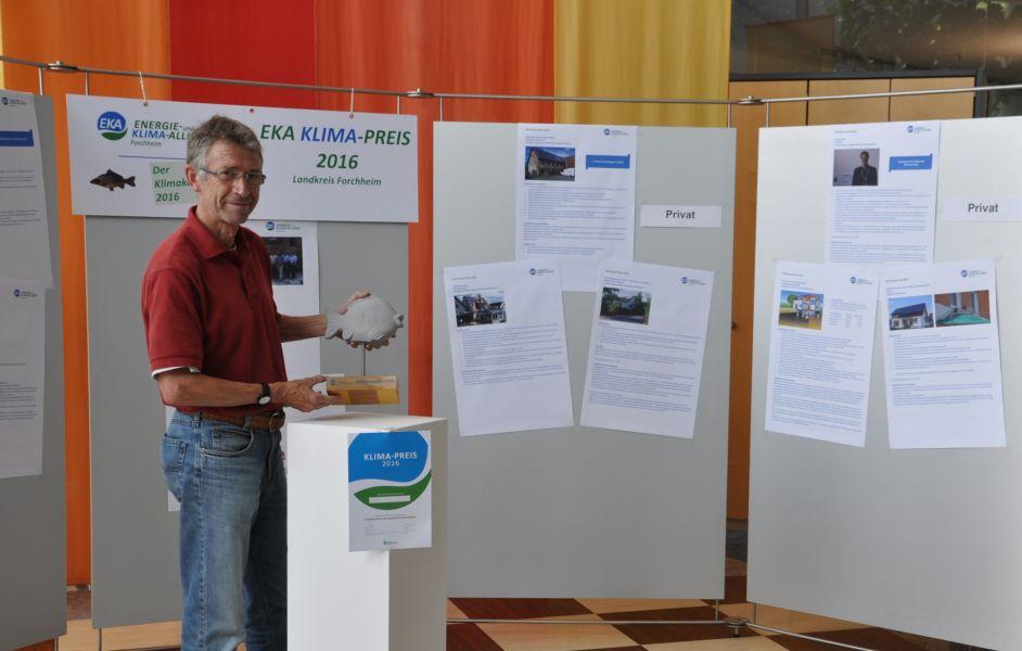 Ausstellung der Bewerbungen und Sieger zum EKA Klima-Preis 2016